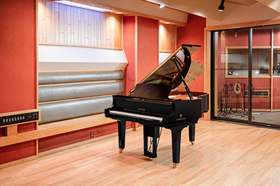 disklavier piano in studio