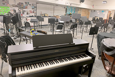 Roland HP-704 in band room